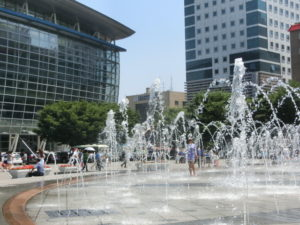 KTX釜山駅前広場の、噴水。