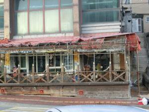 高潮の被害の凄さを、物語るこの店の他は、ほぼ見事に、復旧していました。
